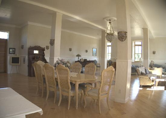 Torrey Schoolhouse Bed & Breakfast Inn: Dining area