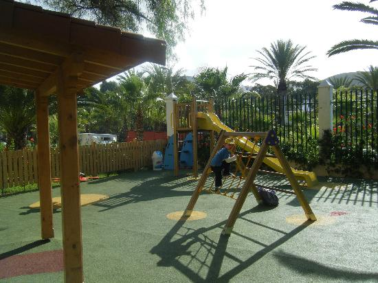 Aparthotel Parque de la Paz: play area - clean and well laid out