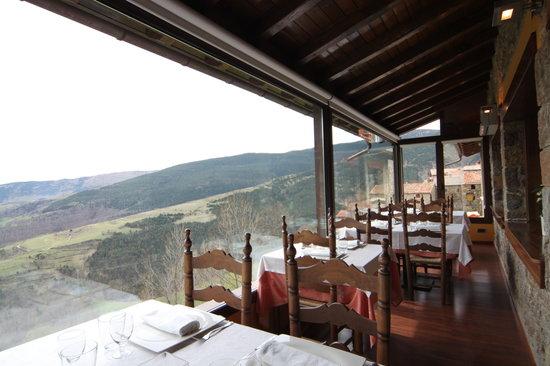 Vilallonga de Ter, España: comedor con vistas