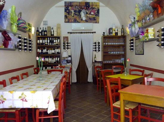 Emporio vini e specialità - Punto diVino: La nostra sala
