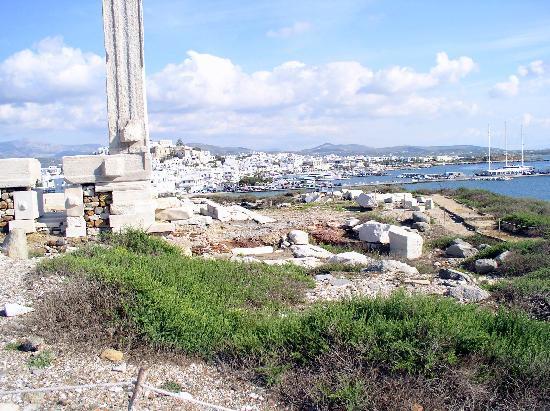 Naxos Town, Greece: Portara und die Stadt