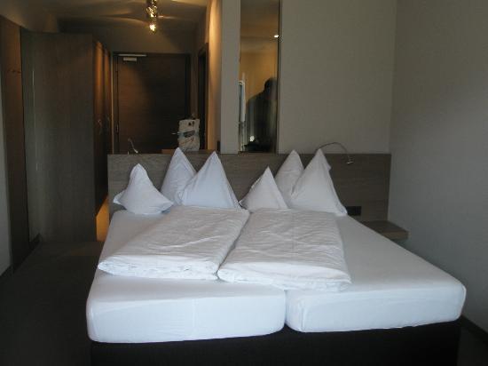 Hotel Minigolf : Double Bedroom