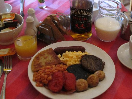Cherry Tree Villa Guest House : Full Scottish breakfast
