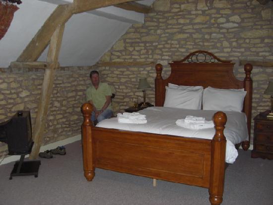 The Bell Inn: Lovely bed