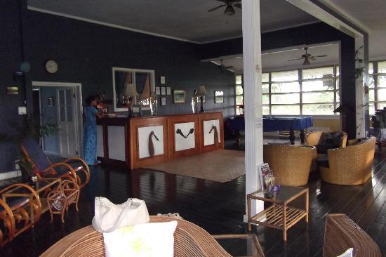 Samoan Outrigger Hotel: lobby