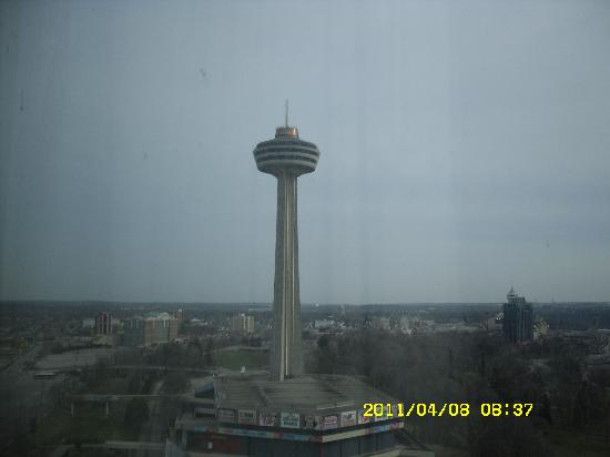 Fallsview Casino Resort: Skylon Tower view from room