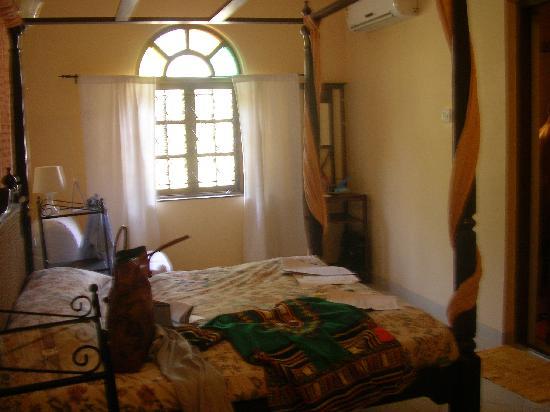 ستين جلاس كوتيدج: room view