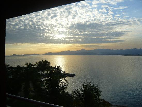 Punta Palma Hotel & Marina: El amanecer espectacular. Pero la habitación sucia y deteriorada acaban el encanto
