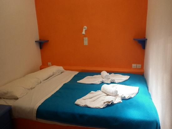 Kykladonisia Hotel and Hostel: habitacion en base doble
