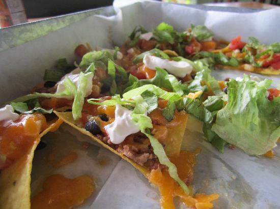 Pagua Bay House Oceanfront Cabanas : ultimate nachos! Try them!