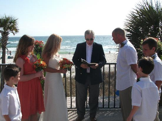 Driftwood Lodge: Ceremony on the Driftwood sundeck