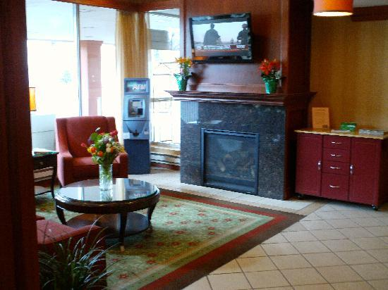 Holiday Inn Bloomington - Airport South: Lobby