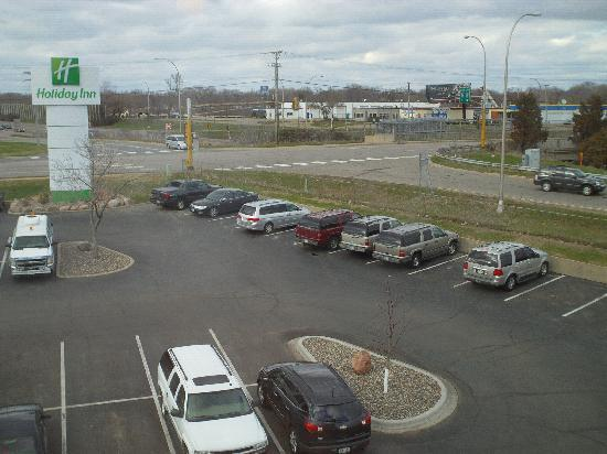 Holiday Inn Bloomington - Airport South: Plenty of Free Parking