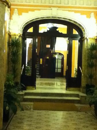 Hospedaje Romero : the entrance in the lobby