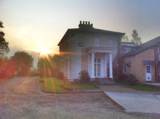 Best Western Gatehouse Hotel: sunrise at Gatehouse Hotel