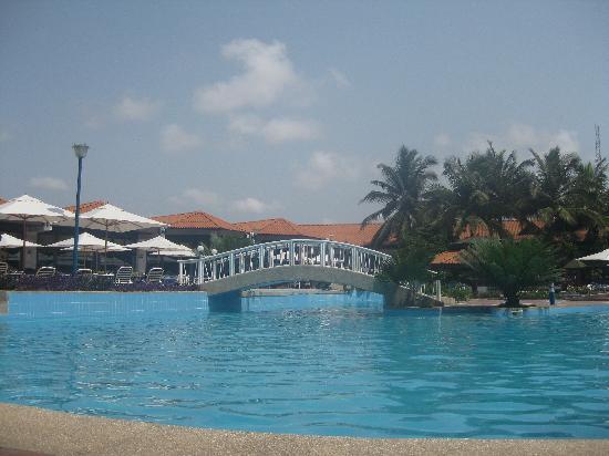 La-Palm Royal Beach Hotel: Pool area