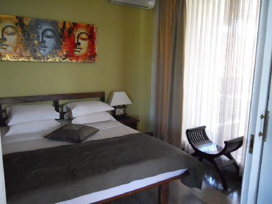 Bali Court Hotel and Apartments: Bedroom - Apartment 306