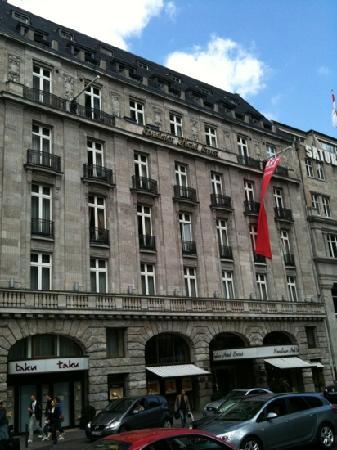 Excelsior Hotel Ernst: Hotel Ernst am Domseite