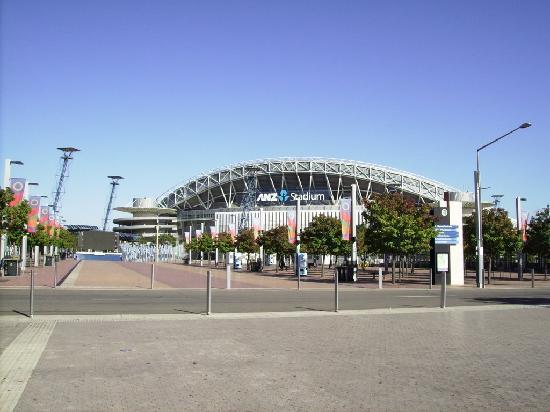 Novotel Sydney Olympic Park: Olympic Stadium fianco hotel