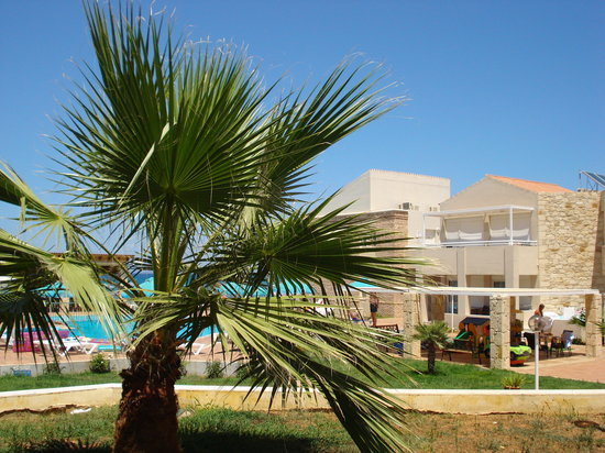 Kostakis Beach: The hotel