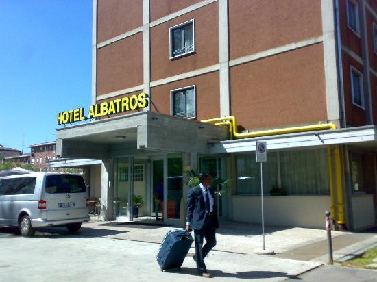 Albatros Hotel : Hotel front