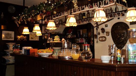 Hotel Munchner Kindl: sala colazione - birreria