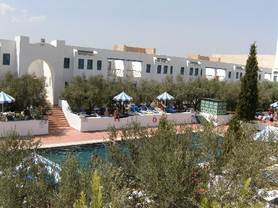 Hotel Diar Lemdina : groot buiten zwembad