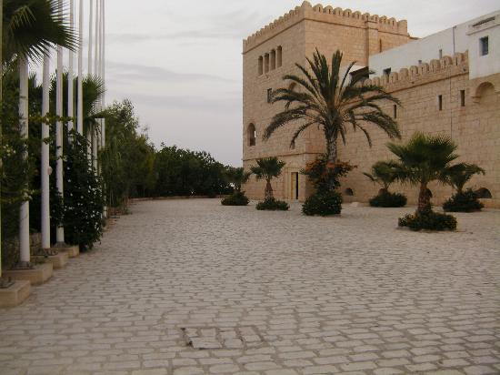 Hotel Diar Lemdina : hotel ( buitenkant )