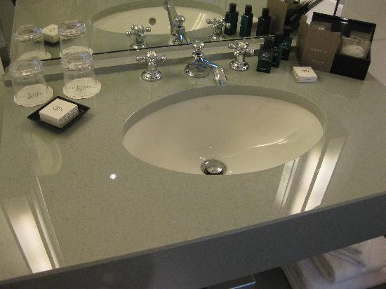 Set da bagno o da camera da letto by caroline porcellane