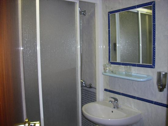 Hotel Los Naranjos: baño