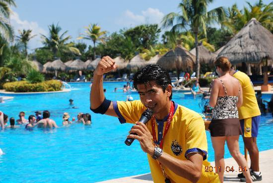 Iberostar Paraiso Beach: Fun loving staff