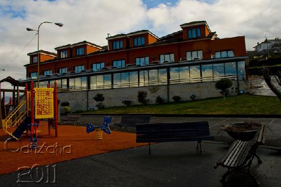 Hotel Canzana Edificio Parking Y Parque Infantil