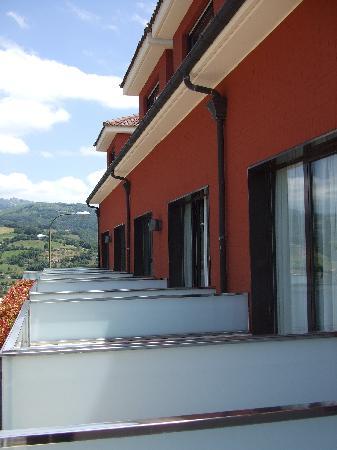 Pola de Laviana, Spain: Terrazas de las habitaciones