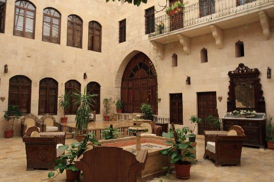 Martini Dar Zamaria Hotel: inner yard