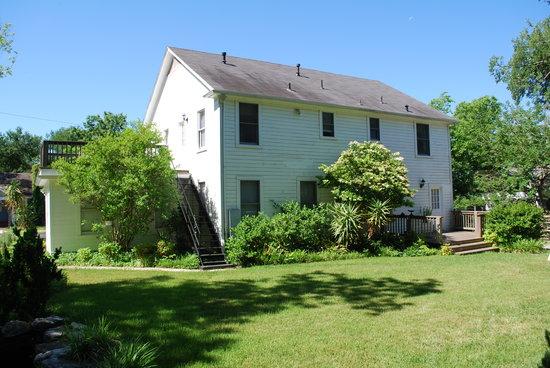 1110 Carriage House Inn; an exterior view