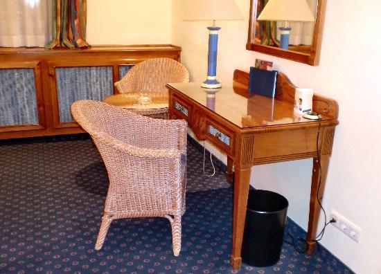 Top Kongresshotel Europe: Schreibtisch