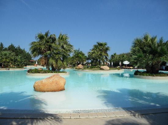 Acacia Resort Parco dei Leoni : Swimming pool