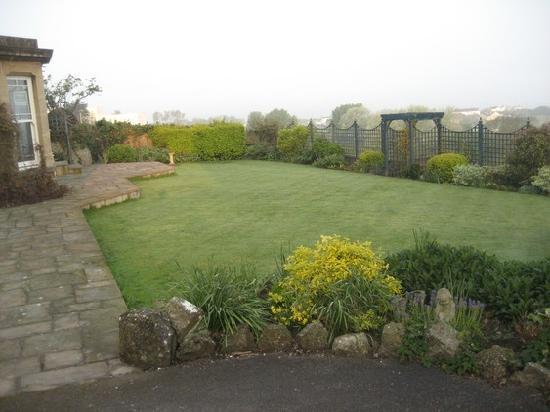 Church House : Front Garden
