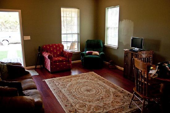 Newell Lodge: Living room