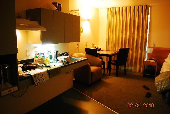 Astelia Apartment Hotel: room