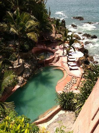 La Casa Que Canta : Lower Salt Water Pool