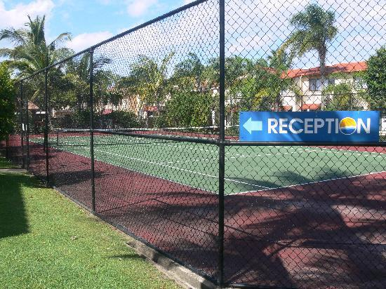 Noosa Sound Resort: Tennis Court