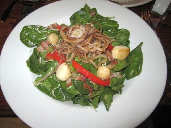 The Iron Rabbit Restaurant and Bar: Spinach salad with scallops