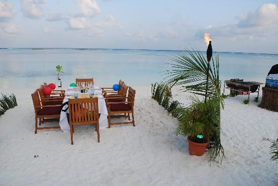 Four Seasons Resort Maldives at Kuda Huraa: Our beach BBQ dinner infront of our beach bungalow