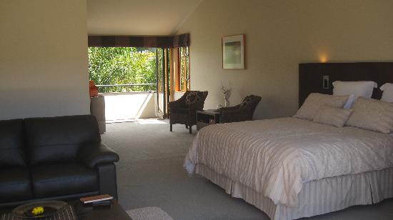 Peninsula Waterfront Retreat: Our suite