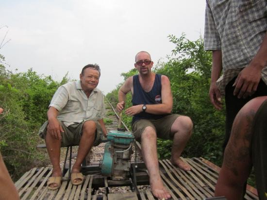 Μπαταμπάνγκ, Καμπότζη: ding dong!
