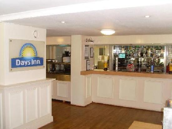 Days Inn Charnock Richard M6: Bar