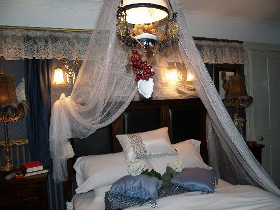 Skibbereen, Irlanda: Our bedrooom at Mona's B&B