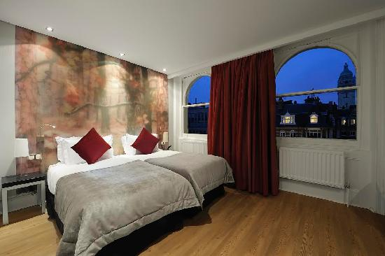 The Queen's Gate Hotel : Twin Bedded Room