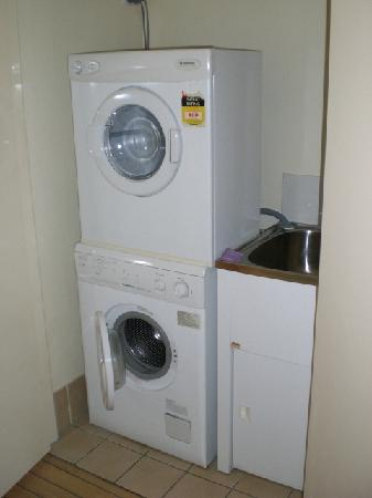 Spring Hill Central Apartments: 414 washing machine and dryer